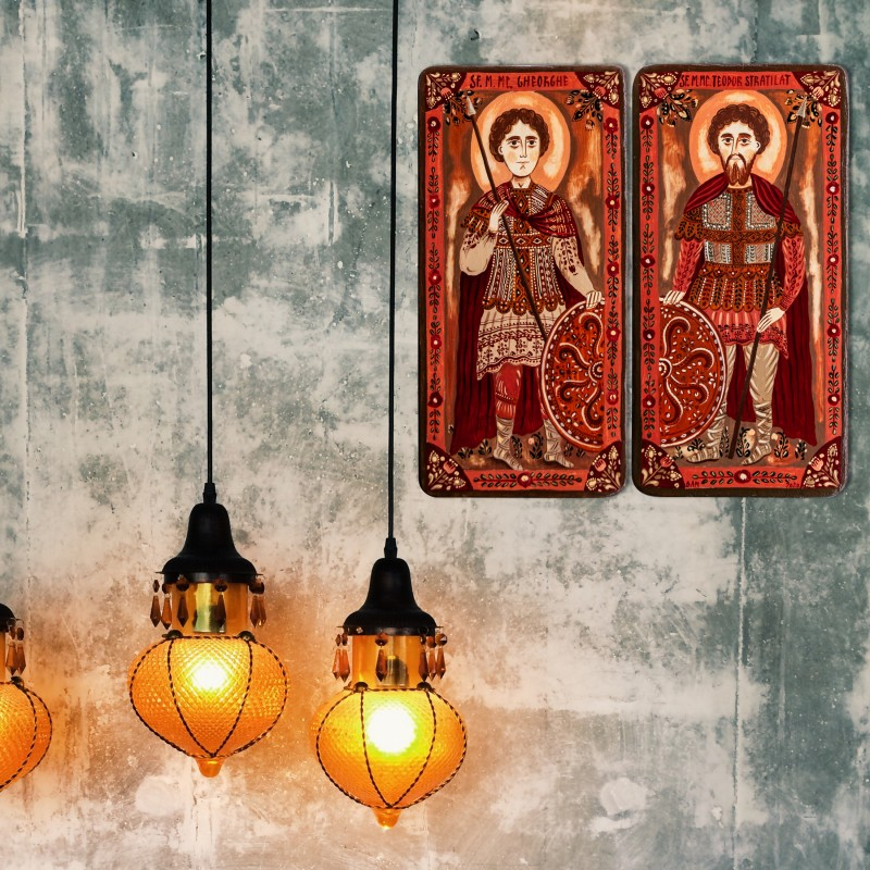 "Icoană pe lemn tip diptic ""Sf. Gheorghe și Sf. Teodor Stratilat"", 2 x 10x20cm"