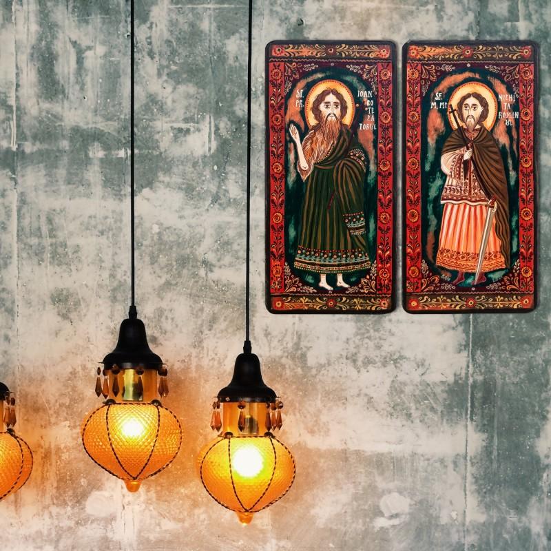 "Icoană pe lemn tip diptic ""Sf. Ioan Botezatorul si Sf. M. Mc. Nichita Romanul"", 2 x 10x20cm"